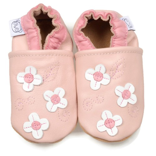 pink-shoes-with-small-flowers
